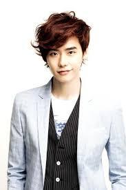 صوره الممثل الكوري لي جونغ سوك