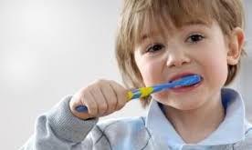 صوره سبب رائحة فم الاطفال رائحة النفس السيئة عند الاطفال مشكلات