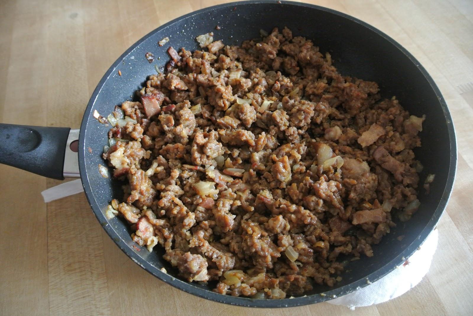 طريقةتحضيرعصاجاللحم المفروم