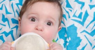 صور غذاء الطفل في الشهر الرابع