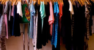 بالصور الالوان المتناسقة مع الاحمر في الملابس ملابسك. ثقف نفسك 310x165