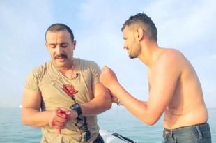 صوره رامز قرش البحر مع السقا
