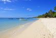 بالصور اشهر الاماكن السياحية في العالم 220px Mauritius beach 110x75