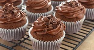بالصور طريقة عمل وصنع الحلويات chocolate cup cake 310x165