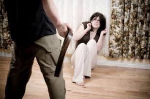 صوره هل الرجل الذي يضرب زوجته يحبها ويهين كرامتي