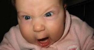 صوره براز اخضر لماذا لون براز طفلي الذي يرضع طبيعيا اخضر دائما