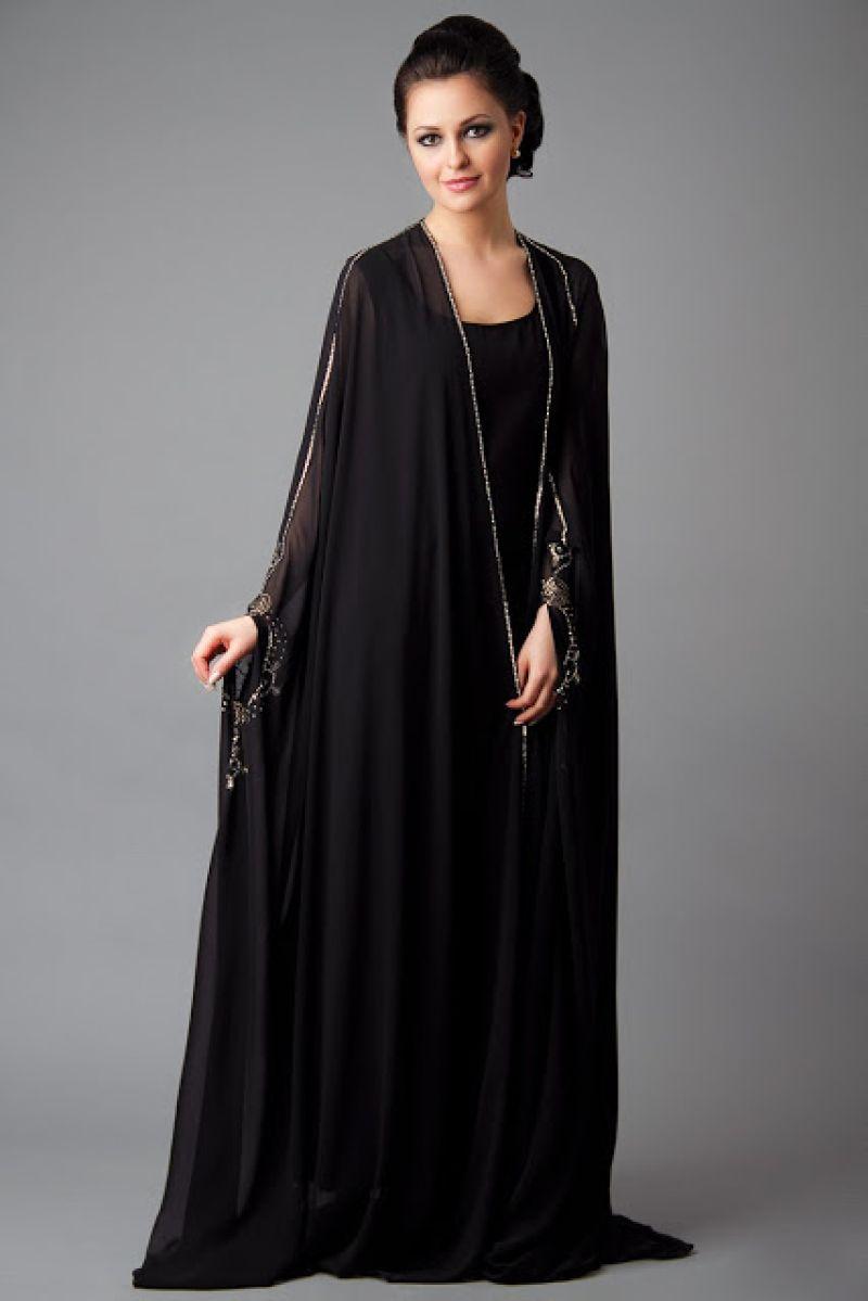 تصاميم لملابس فنانات باكمام طويلة فساتين كم طويل