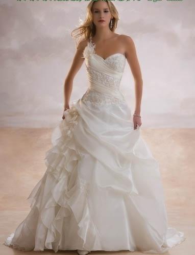 صوره فساتين زفاف يوسف الجسمي