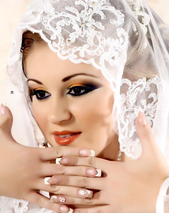 صور مكياج وتسريحات وفساتين عرايس