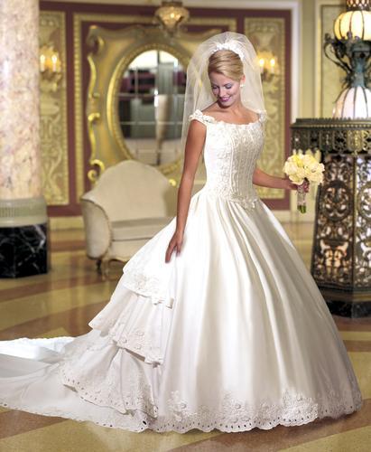 صوره فساتين زفاف صالون روزيت