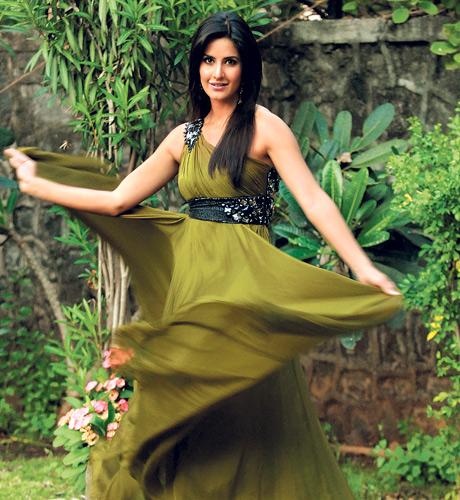 بالصور فساتين الممثلة الهندية كاترينا 20160523 503
