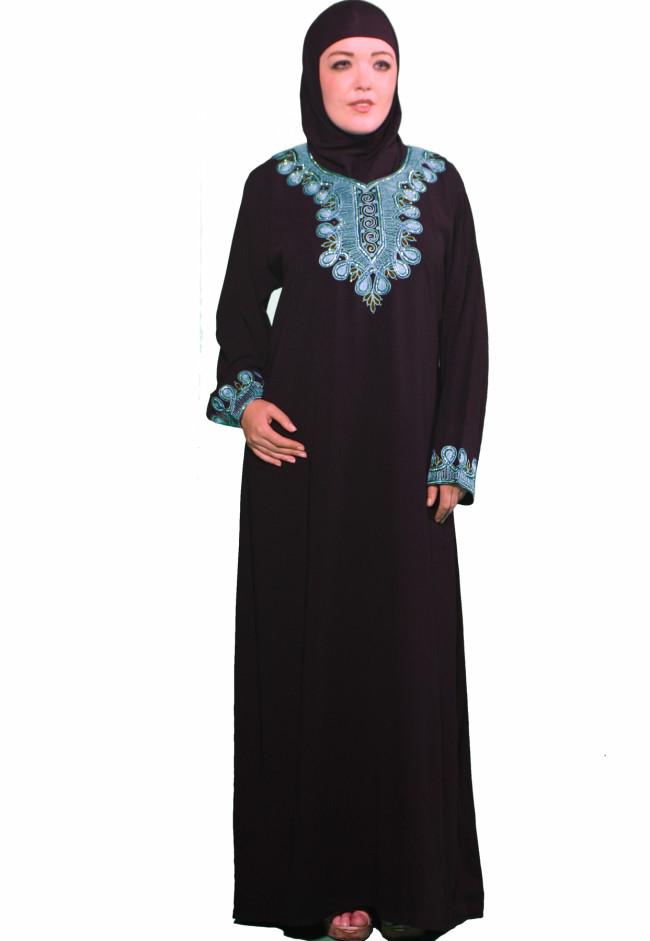 https://fatakat-a.com/wp-content/uploads/www.fatakat-ar.commaassama-abaya-1.jpg