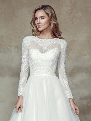 بالصور فساتين زفاف رومانسية تتميز بالهدوء والفخامة للعروس 20160527 388