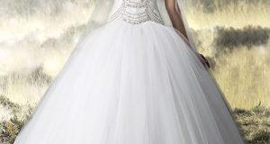 صوره فساتين زفاف دانتيل منفوشه
