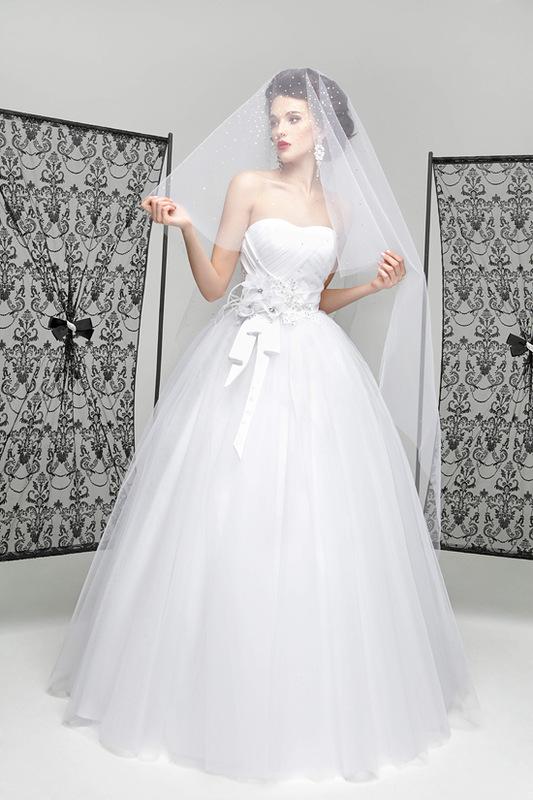 بالصور فساتين زفاف خليجيه 2019 3ca9422cdc