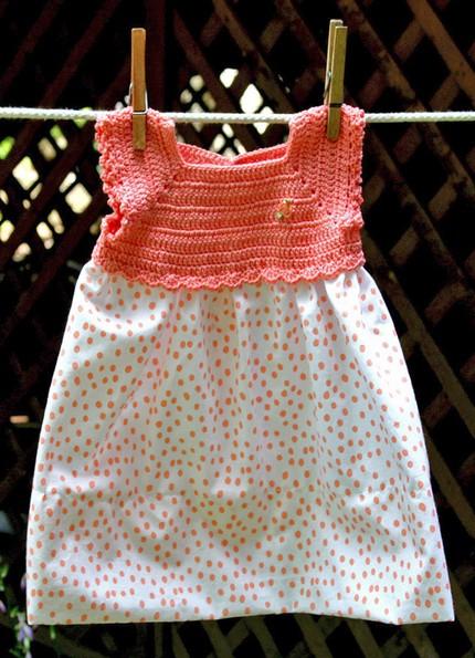 صورة فساتين اطفال كروشيه مع قماش , صمم اجمل فستان بنفسك