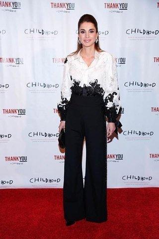 صوره فساتين الملكة رانيا ازياء الملكة رانيا فساتين جديدة