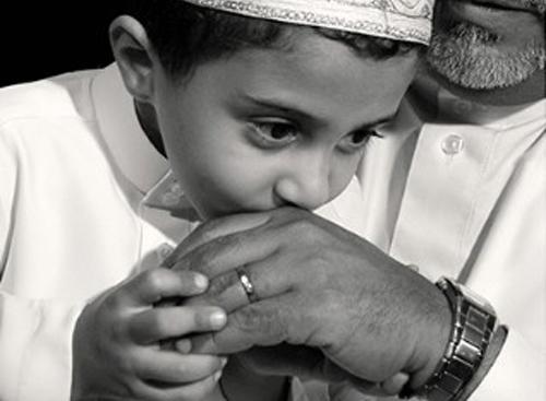 صوره قصص بر الوالدين في الاسلام