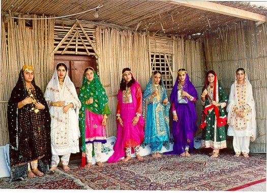 صور الازياء الشعبية التقليدية في سلطنة عمان