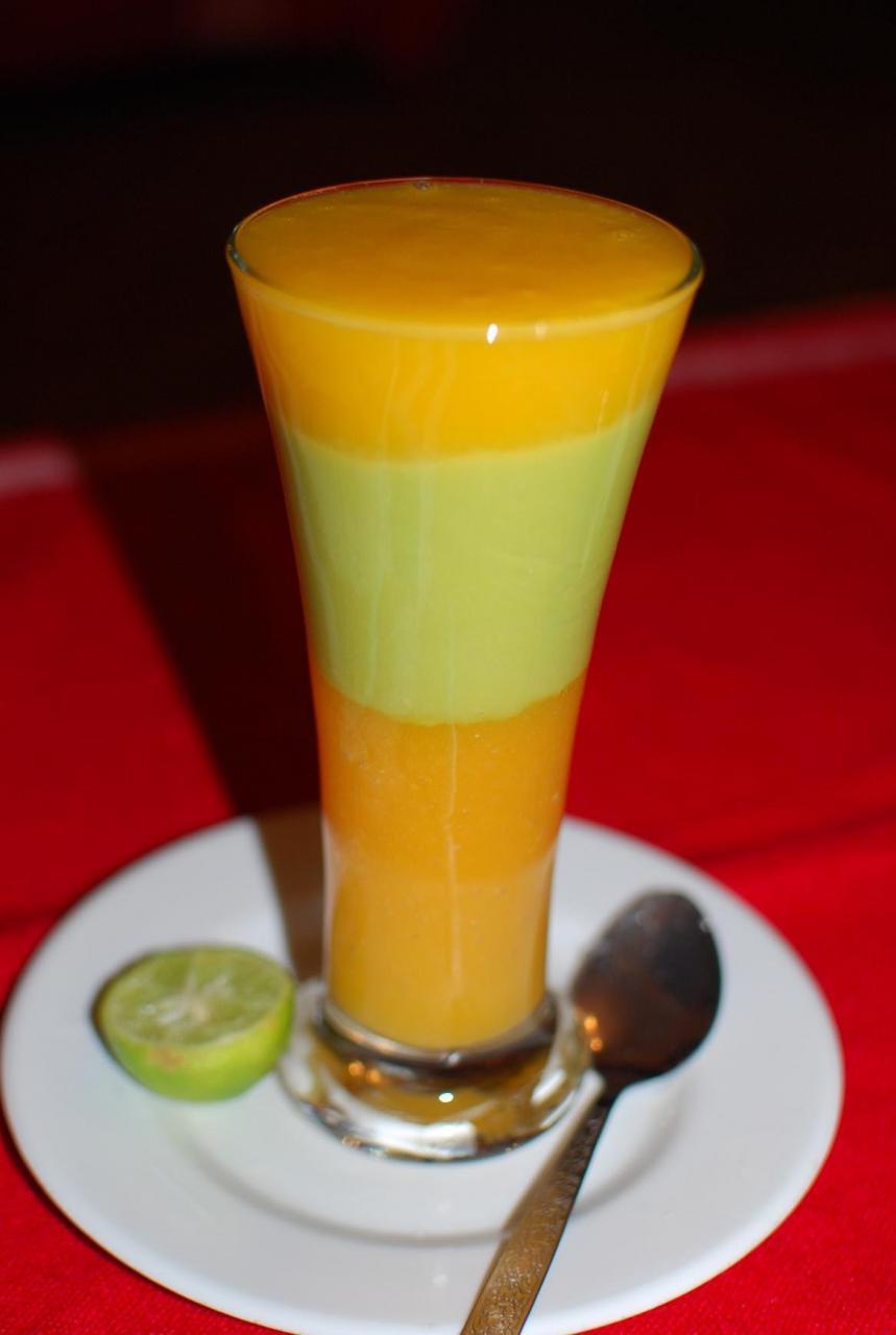 صور طريقة عمل عصير المانجو المجمد