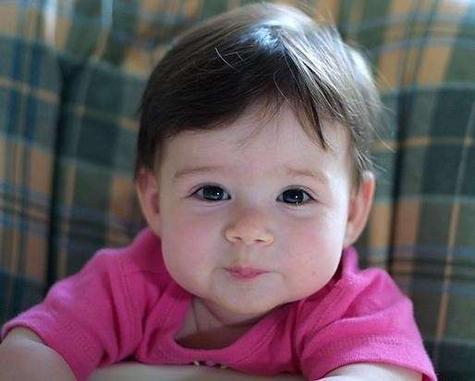 صوره افضل زيت لتكثيف شعر الاطفال