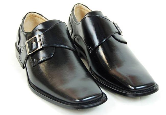 صور تلميع الحذاء في المنام