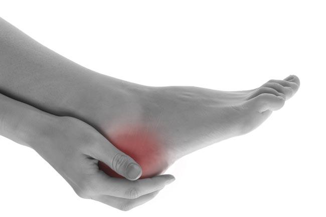 بالصور اعراض وعلاج املاح القدمين 20160619 564