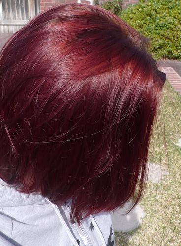 صوره تجربتي مع زيت الخروع لتطويل الشعر