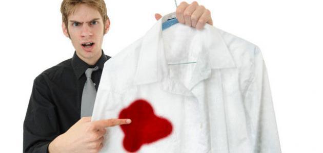 صوره ازالة بقع الدم القديمة من الملابس