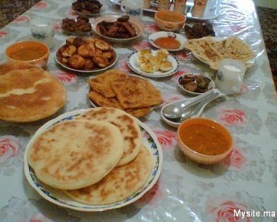 صورة مكونات الفطور الصباحي في المغرب 20160621 53