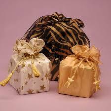 صوره انواع الهدايا للصديقات كوني متميزه في هداياك