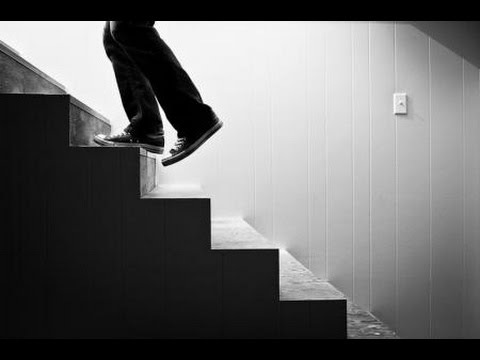 صوره تفسير حلم صعود الدرج