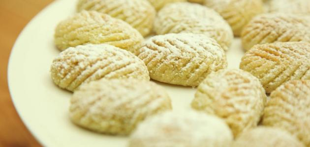 بالصور طريقة عمل حلويات العيد عربية 20160626 1773