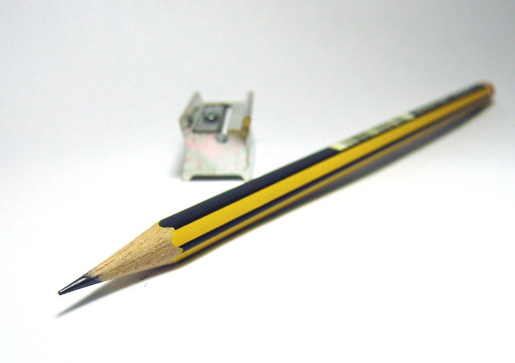 صوره قلم رصاص بالانجليزي فرشاة قلم