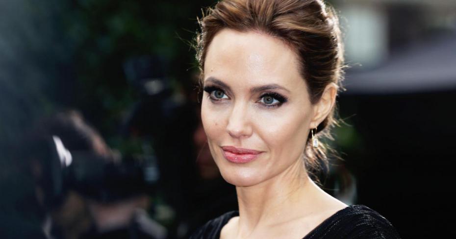 صوره من هى انجلينا جولي