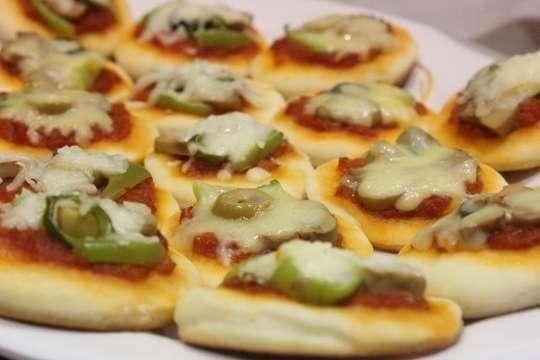 صوره تحضير ميني بيتزا