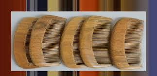 صوره المشط الخشبي و اهميته للشعر