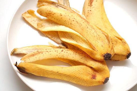 بالصور فوائد قشر الموز للشعر الجاف 20160629 531