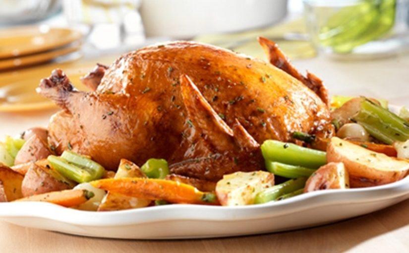 الدجاج بالخضراوات والصوص اللذيذ