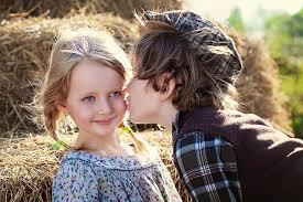 صوره صور اطفال رومانسيه جديدة