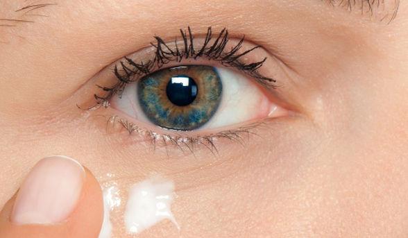 صوره علاج البقع السوداء تحت العين