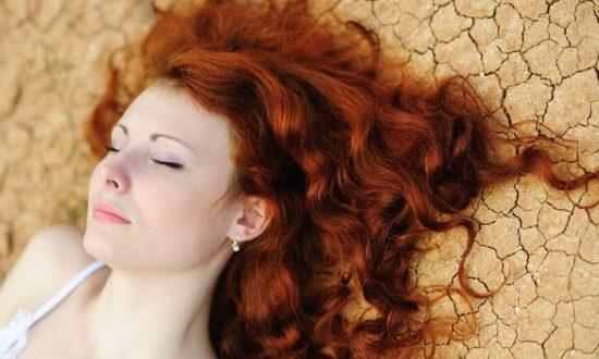 صورة خلطة لصبغ الشعر ذهبي , احصلى على شعر اشقر متوهج باستخدام هذه الخلطة