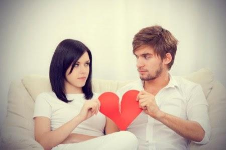 صوره الحب الاول عند المراة