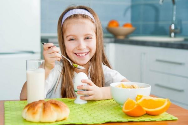 صوره اكلات تنمي ذكاء الطفل