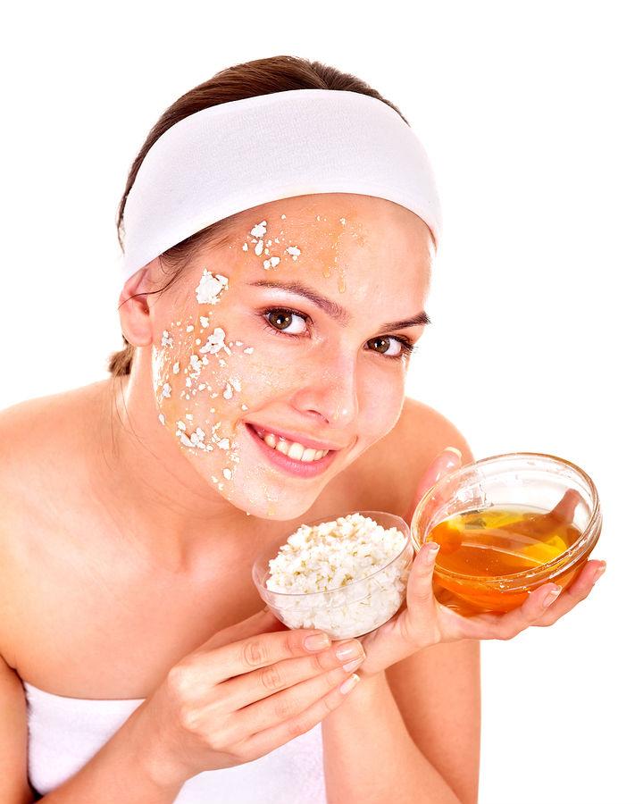 صوره وصفات طبيعية لتنظيف الوجه