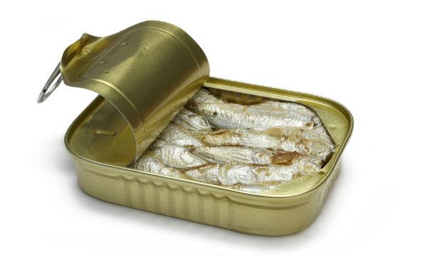 http://sehhiya.com/wp-content/uploads/2015/01/r-Sardines-canned.jpg