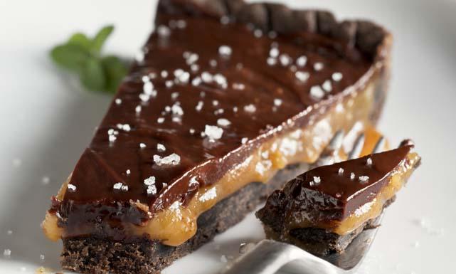صوره طريقة كيكة الشوكولاته بالكراميل