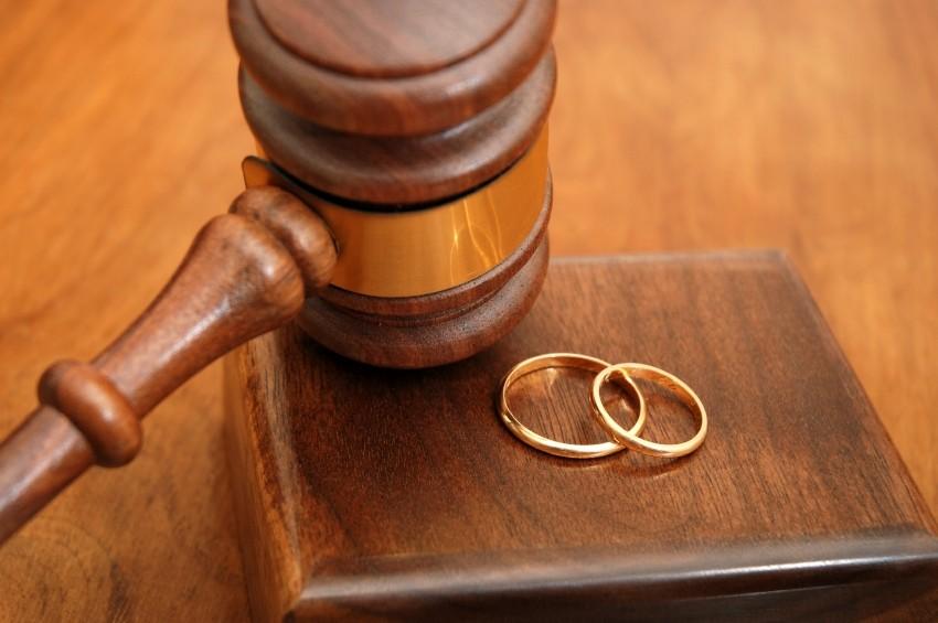 http://3.bp.blogspot.com/-K2hnZvZjXC0/UEnlE3THx4I/AAAAAAAAAfE/iSKBoardEXk/s1600/divorce1.jpg