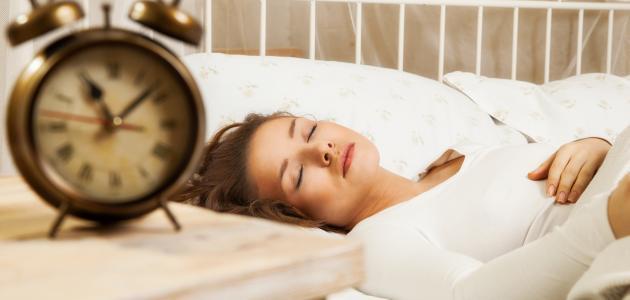 ما فائدة النوم المبكر