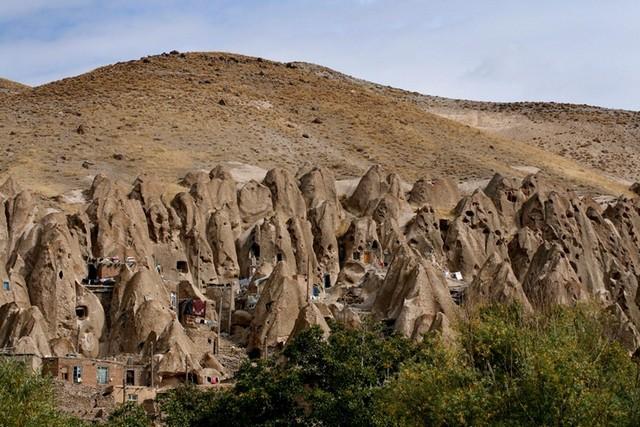 kandovan-iranian-village-houses-gessato-gblog-1